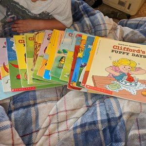Large Lot of Vintage Clifford Scholastic Books